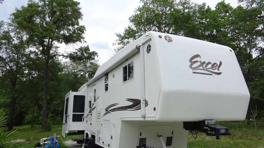 luxury private 32ft 5th wheel - Middleburg