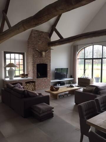 Prachtige mooie gemoderniseerde woonboerderij - Hoogstraten - Villa