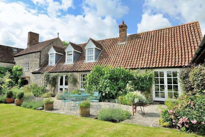 Farmhouse annexe in Somerset with tennis court - Hornblotton - Casa