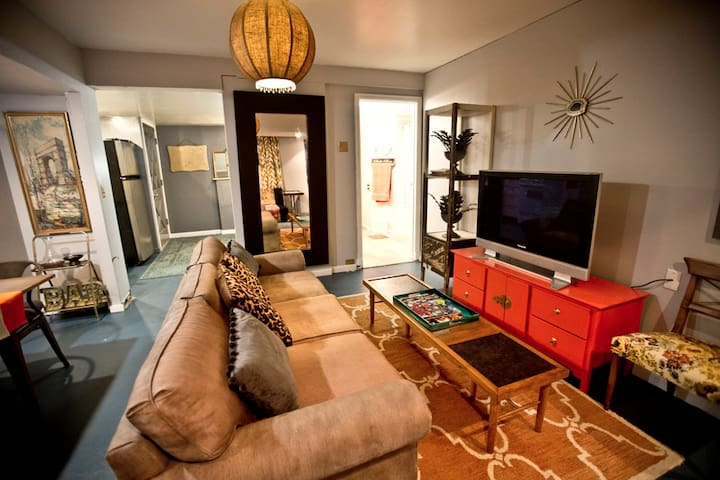 The IvyWild - Apartment in Tudor Historic Home - Wenatchee - Departamento