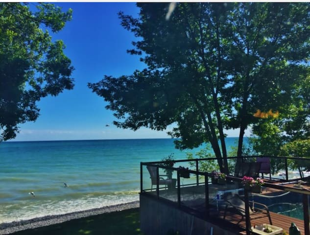 Beach House Apartment with a Swimming pool - Brighton - 小木屋