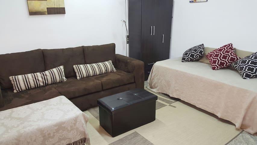 Habitación privada  cerca de todo / Private room - asunción