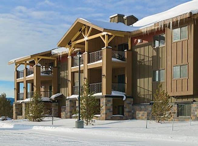 Montana-West Yellowstone, MT Resort 2 Bd Condo #2 - West Yellowstone