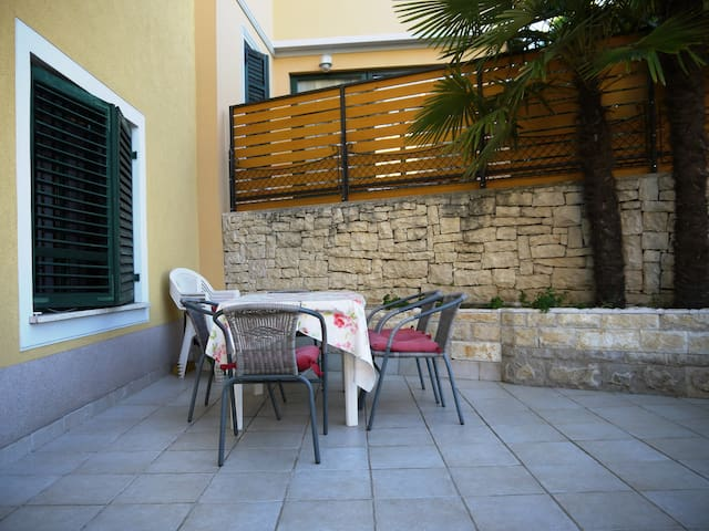 Holiday house Sara - Opatija - Hus