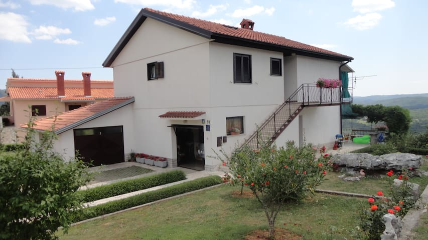 Charming and Quiet Apartment Fabris - Roč