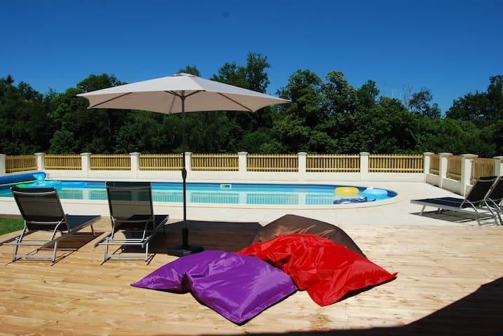 Family Holidays in France - Mialet - Casa
