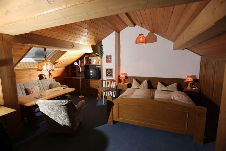 Dach-Wo Haus Waltraud - Blick Falkenstein - Pfronten - Huoneisto