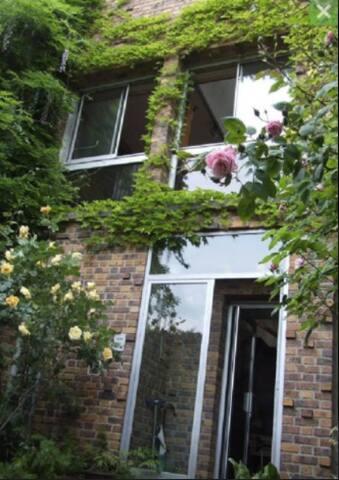 une jolie chambre dans une Villa avec cheminée ! - Fontenay-aux-Roses - 別荘