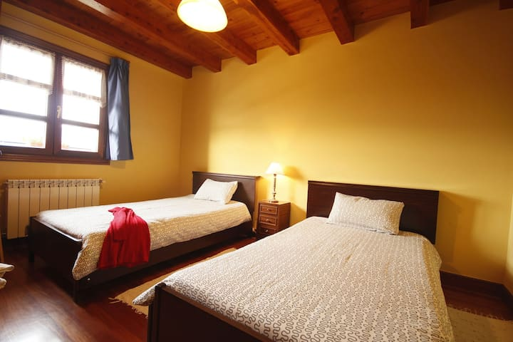 Habitación de dos camas simples - Bizkaia - Bed & Breakfast