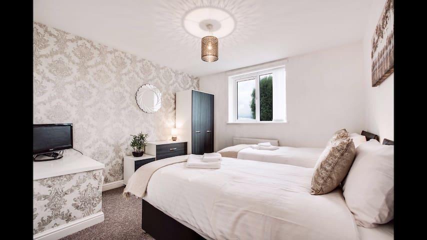 CEDAR PARK APARTMENT Sleeps 4 - Ashton-under-Lyne - Apartemen