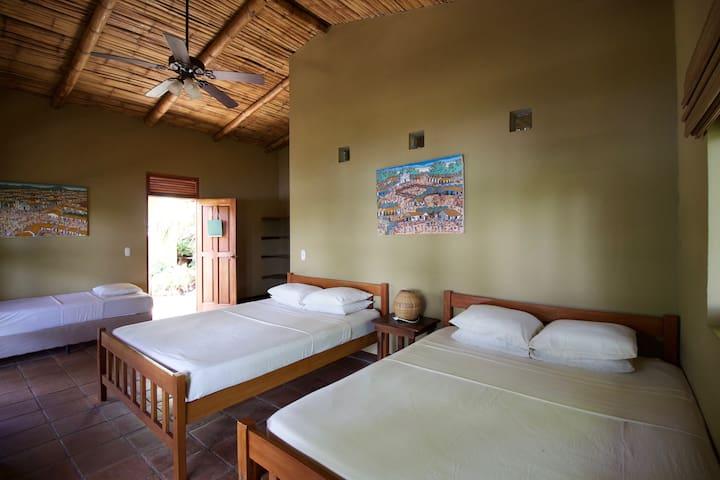Apoyo Lodge - Lakefront Suite with Private Balcony - Departamento de Masaya - Bed & Breakfast