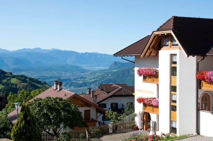 Appartments Tratter - Ferienwohnung Meran - Salonetto - Apartemen