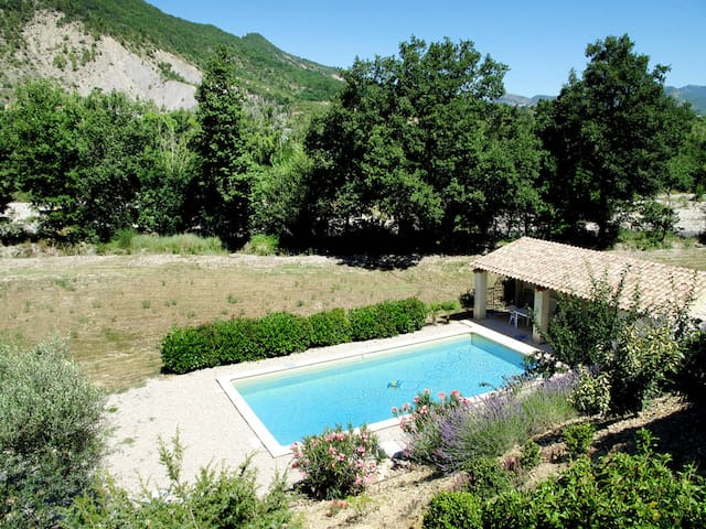 Holiday home in Les Pilles - Nyons - Hus