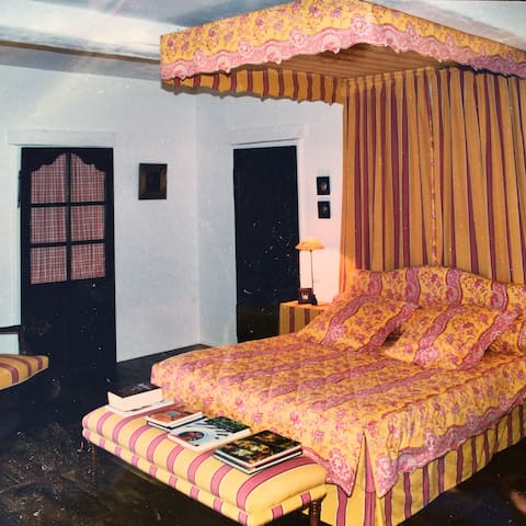 Luxurious & Romantic Room in a 18th Century House - Saint-Astier - Bed & Breakfast