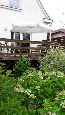 Pokoj  v domě (u Benešova) uprostřed zahrady - Bystřice - Villa