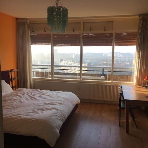 Spacious room, open view, free bike - Utrecht - Appartement
