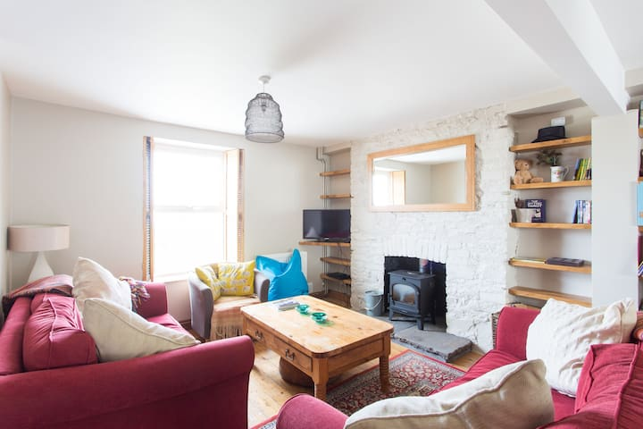North Gower three bedrooms, woodburner & garden - Gower - Casa