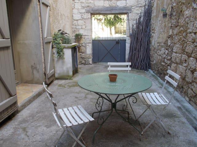 Gîte au coeur de la bastide de Saint-Clar - Saint-Clar - Appartement