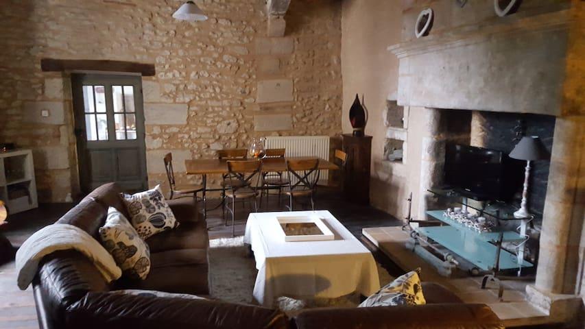 Maison  de 100m2  proche Perigueux - Antonne-et-Trigonant - Huis