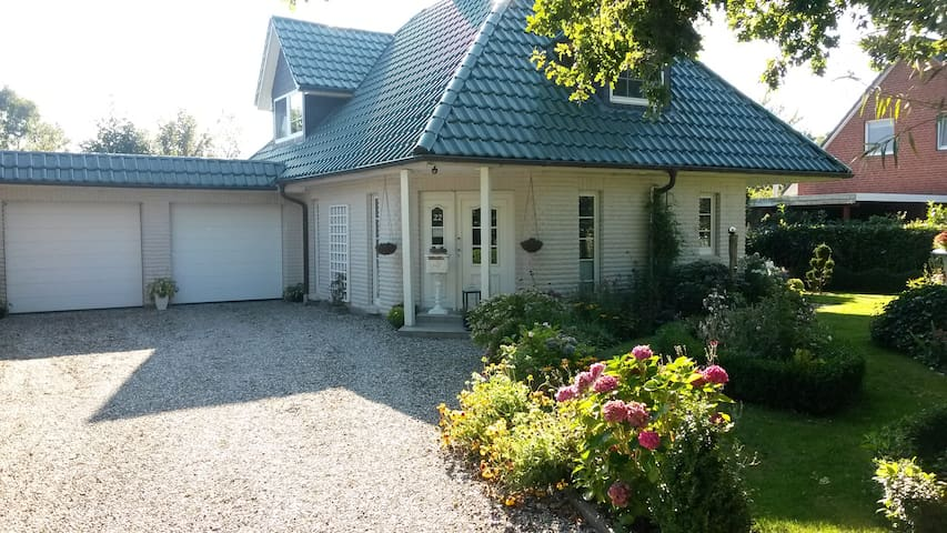 Modern, gepflegt und sauber wohnen - Jübek - Hus