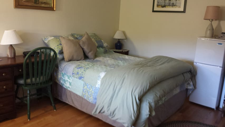 Bed & Bath:Country Living near City - Dover - Rumah