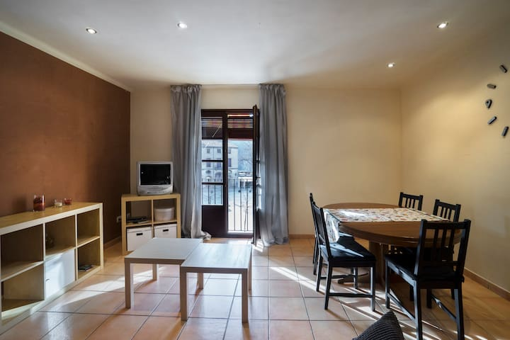 Céntrico apartamento en Besalú - Besalú - Lägenhet