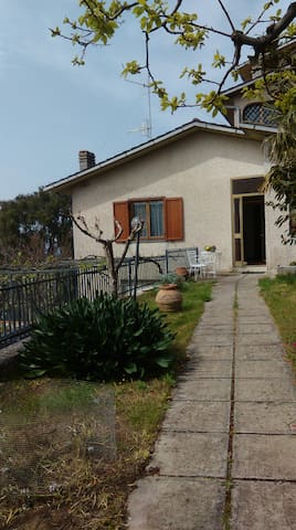 Countryside house with a sea view - Gavorrano - Daire