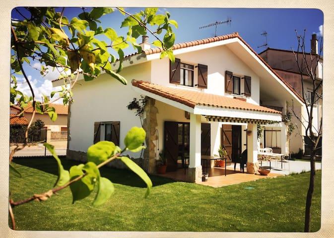 ASPALDIKO  casa familiar - Berbinzana - Casa