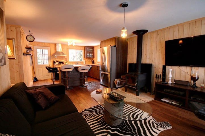 beautiful cottage fully renovated!! - Saint-Adolphe-d'Howard - Chalet
