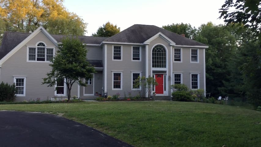 Large Colonial near all Maine's summer attractions - Falmouth - Rumah