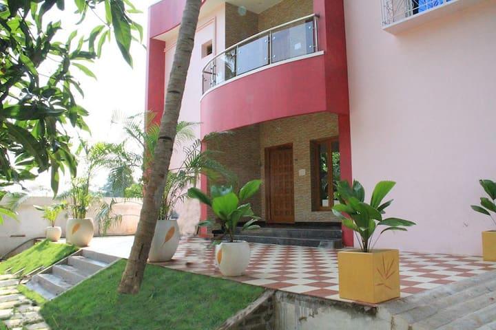 Group Stay Villa - FM Villa - 旁迪切裡(Puducherry) - 別墅