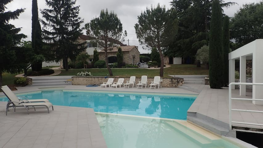 BELLE MAISON PRES DE ROCAMADOUR.....LOT  DORDOGNE - Calès - Villa