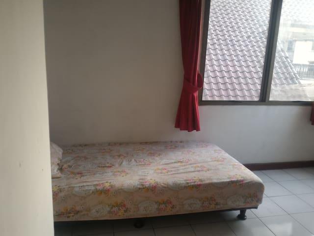 Single Private Room - Kemayoran