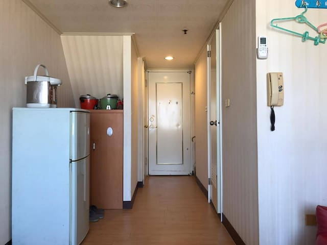 SimpleHappiness and more - Central District - Appartement