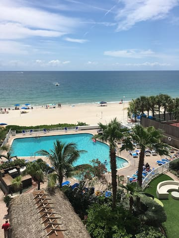 Direct Ocean View from the Balcony - Fort Lauderdale - Lakás