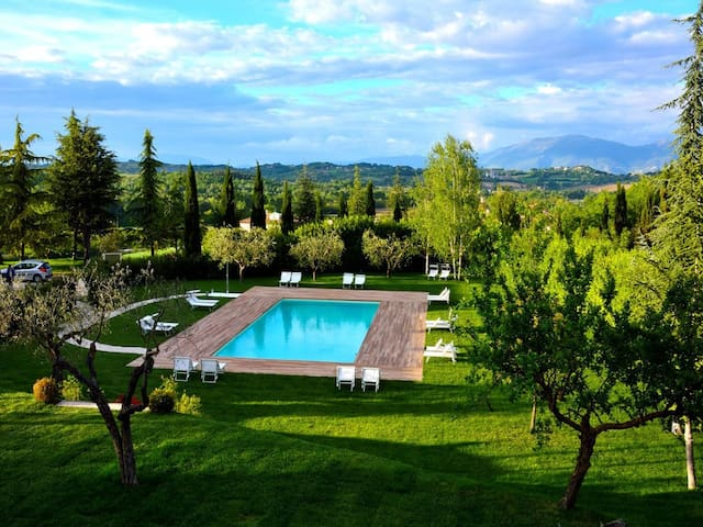 Baiano By The Pool, 4 miles to Spoleto centre - Spoleto - Daire