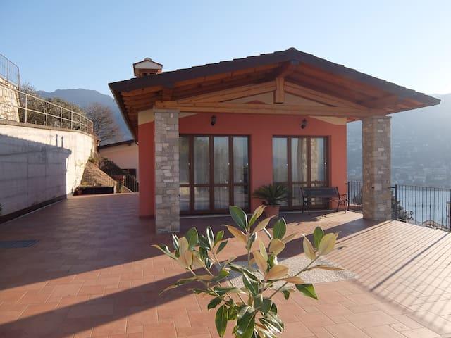 Relax on the Island - Lake view apartment - Peschiera Maraglio - Apartament