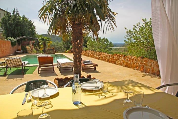 maison au calme avec sa piscine privée .. - Uzer - Casa