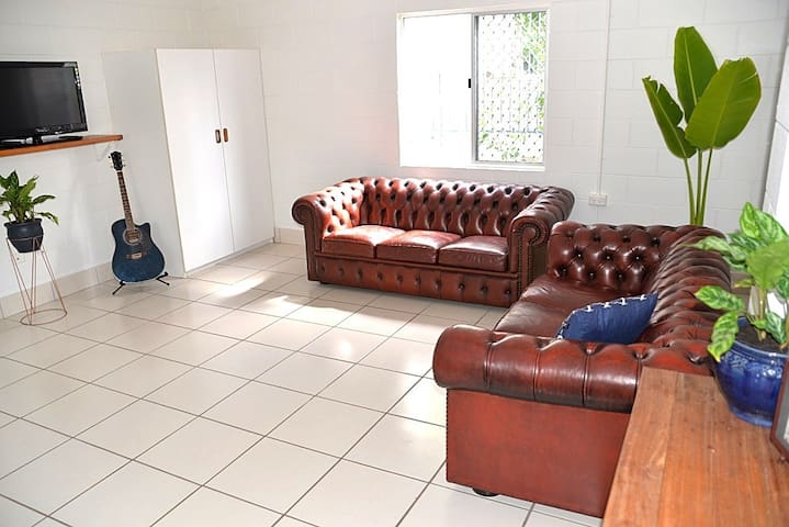 The Weekender - Spacious Self-Contained Apartment - Yeppoon - Appartement