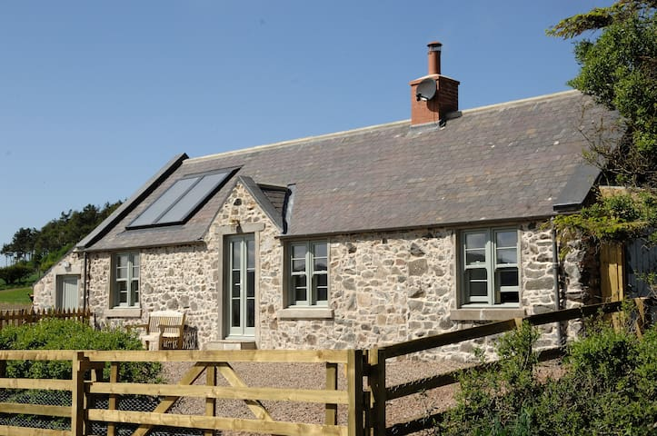 Cosy Cottage with Breathtaking Panoramic Views! - Cornhill-on-Tweed - Дом