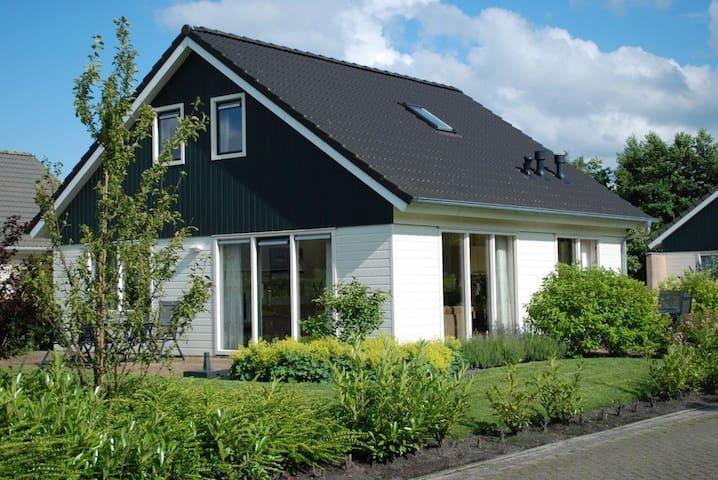 Luxe vakantievilla op vakantiepark - Gasselternijveen - Willa