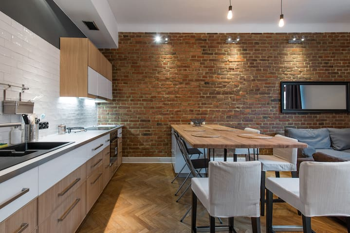 Designer flat 3 mins to Castle, Kazimierz & River - Krakow - Lägenhet