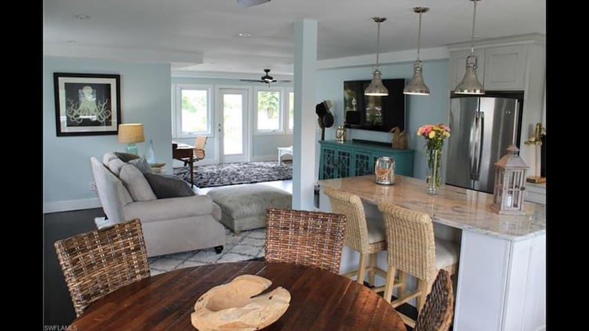 Beautiful Island Cottage - Fort Myers Beach - Дом