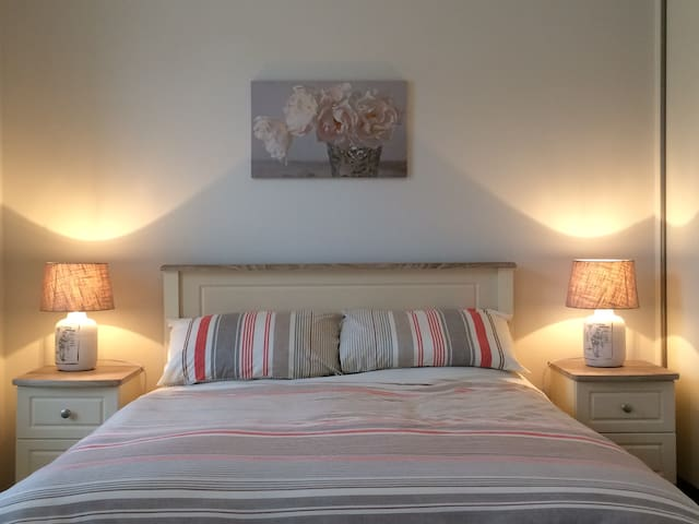 Comfy, spacious 2-Bed Apartment in heart of Bantry - Bantry - Apartament