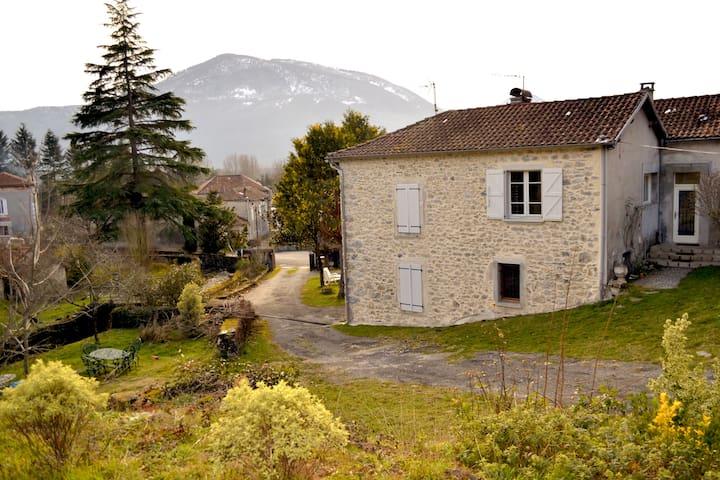 La petite maison dans les Pyrénées - Ore - Casa