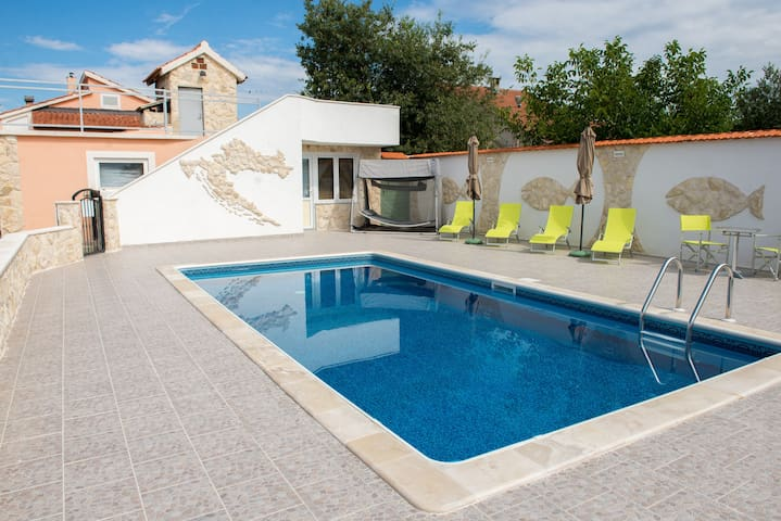 Comfortable and stylishly furnished holiday home - Vodice - Villa