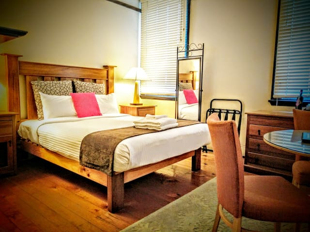 Sydney Harbour Bed and Breakfast - The Rocks - 家庭式旅館