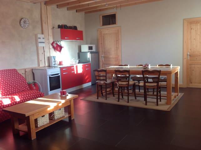 Charmant logement. - Longchaumois - Huis