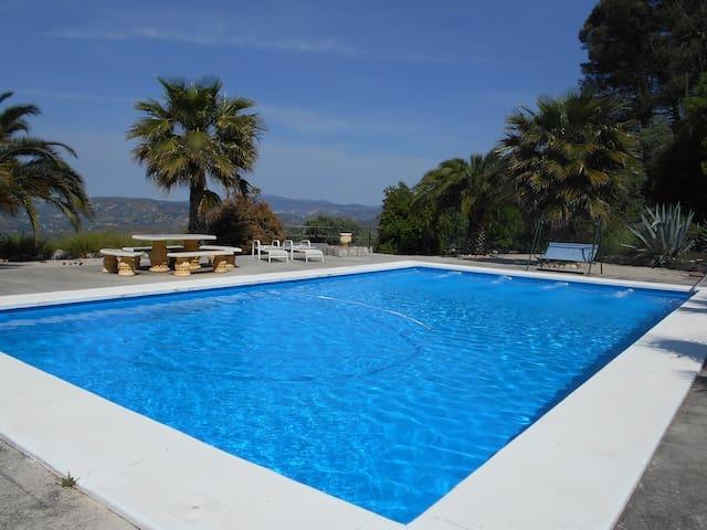 Cottage with fab pool!  Close to Zagra & Loja. - Loja - Stuga