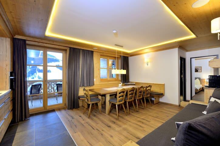 Lässiges Appartment in Hinterglemm SKI IN/ SKI OUT - Hinterglemm - Lägenhet